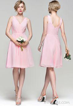 Simple v-neck bridesmaid dress. #JJsHouse #JJsHouseBridesmaidDress