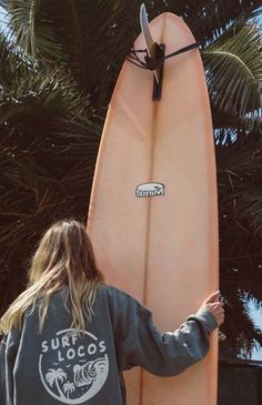 Surfing holidays is a surfing vlog with instructional surf videos, fails and big waves Beach Pink, Beach Bum, Ocean Beach, Beach Aesthetic, Summer Aesthetic, Pink Aesthetic, Surf Girls, Summer Surf, Summer Vibes