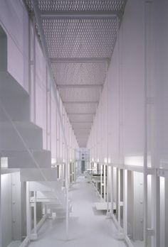 Atelier Tekuto. All white.