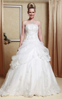 A-line Strapless Scalloped-Edged Neckline Organza Floor-length Wedding Dress