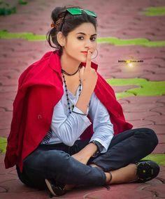 Beautiful Little Girls, Beautiful Girl Photo, Beautiful Girl Indian, Girl Senior Pictures, Cool Girl Pictures, Girl Photos, Indian Wedding Photography Poses, Cute Photography, Village Photography