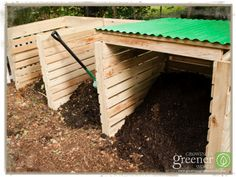 Super Easy Pallet Compost Bin, along with the steps and information to make one yourself. Our fav. compost bin on the set of Growing a Greener World TV (www.GrowingAGreenerWorld.com)