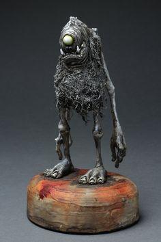 Creatures from Dreams — Lil' Cutie Wanders the Wasteland by DugStanat Ceramic Sculpture Figurative, Sculpture Clay, Clay Monsters, 3d Figures, Weird Art, Creepy Art, Environment Concept Art, Creepy Dolls, Monster Art
