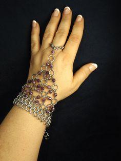 00AK Pretty in purple  beaded chain maille por EarthfireArtistry