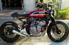 Honda Hornet 600 Cafe Racer by Jigsaw Custom Motorcycles