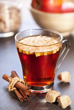 Apple tea with cinnamon Tea Recipes, Apple Recipes, Te Chai, Coin Café, Apple Tea, Apple Cinnamon Tea, Tea Places, Autumn Tea, Cuppa Tea