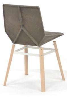 Estudio Mariscal. Una silla con asiento 100% de plástico reciclado y 100% reciclable - See more at: http://www.mariscal.com/es/proyectos/40/Green#sthash.PoHAhJdh.dpuf