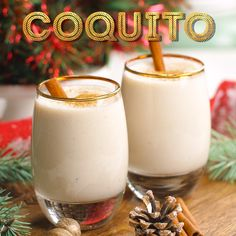 Cocktail rhum, lait concentré sucré et non sucré, lait de coco et épices - This Coquito recipe is a creamy and rich coconut-based Puerto Rican cocktail similar to an eggnog and a deliciously thick holiday drink loaded with spices and rum! Holiday Drinks, Summer Drinks, Cocktail Drinks, Fun Drinks, Holiday Recipes, Thanksgiving Cocktails, Mixed Drinks, Beverages, Puerto Rican Dishes