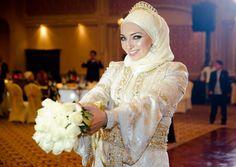 Beautiful Wedding hijab style http://www.modernhejab.com/blog/wp-content/uploads/2012/01/4.jpg