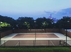 Tennis lessons with a view. #tennis #stevensinstituteoftechnology #tennislessons #hoboken #stevens #manhattanviews #worldtradecenter #summernights PS. Thanks so much to my Tennis Fairy God Mother for the racket @smartypantspix.