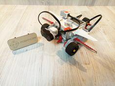 Для ребенка пришедшего первый раз на робототехнику, уже такой простой робот собранный за 10 минут становится чем-то сказочным или волшебным. Он легко определяет имеющееся перед ним препятствие через инфракрасный датчик, программируется на нужную траекторию движения, выполняет 6 различных команд, в зависимости от приложенного к датчику цвета предмета. Также его можно просто подсоединить к инфракрасному пульту и сделать из робота радиоуправляемую модель. Не верите? Приходите к нам и сами во…
