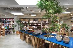 Torafu Architects. Shibuya Seibu Movida Annex / LOFT&