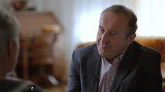 Initiée et dirigée par <b>Bernard Derome</b>, cette série documentaire propose une réflexion collective sur le rôle de l'argent, un sujet brûlant d'actualité et chargé d'une émotivité nourrie de la pudeur légendaire des Québécois. Préoccupation universelle à divers degrés, l'argent est à la fois modèle de réussite et symbole d'injustice. Pour une rare fois à la télévision québécoise, des gens fortunés exposent ouvertement et sans pudeur leurs réflexions sur l'état de la société dans laquelle…