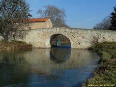 Le Canal du Midi gele pres de Quarante (34)