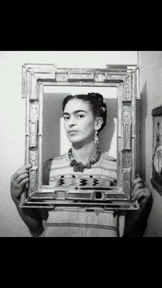 """fridari: """"Frida Kahlo, México. """" Fotografía por Nickolas Muray."""