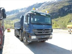Good Price tilting Mercedes Benz Actros 4144 K Second Hand. Manufacture year: 2008. Mileage: 87428 km. Excellent running condition. Ask us for price. Reference Number: AC738. Baurent Romania.