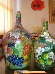 1 million+ Stunning Free Images to Use Anywhere Wine Bottle Art, Painted Wine Bottles, Wine Bottle Crafts, Glass Bottles, Glass Painting Designs, Stained Glass Paint, Plastic Bottle Crafts, Do It Yourself Crafts, Altered Bottles