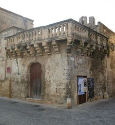 Balcone_palazzo_Torricelli_Avetrana