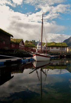 A beautiful calm picture of a Colin Archer