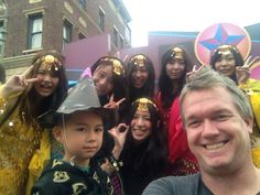@usj_official Mikey and me with #Japanese beauties!