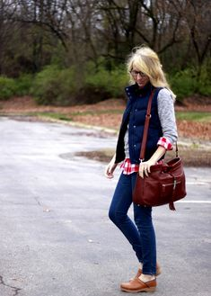 cute outfit! Love how this doesn't look like a diaper bag at all!