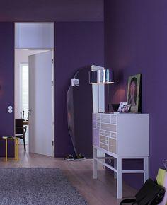 Weiße Akzente Zu Kräftigem Violett Flieder, Anthrazit, Farbkombinationen,  Wandfarbe, Dunkelheit, Schlafzimmer