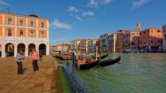 Venice : Campo Erberia / Two gondoliers Grand Canal, Painting, Italia, Pictures, Venice, Venice Italy, Places, Painting Art, Paintings