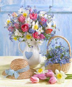 Leading Illustration & Publishing Agency based in London, New York & Marbella. Beautiful Flower Arrangements, My Flower, Fresh Flowers, Spring Flowers, Flower Art, Flower Power, Floral Arrangements, Beautiful Flowers, Ikebana