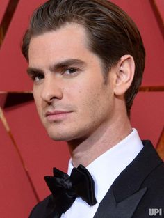 Actor Andrew Garfield arrives on the red carpet for the 89th annual Academy Awards at the Dolby Theatre in the Hollywood section of Los…