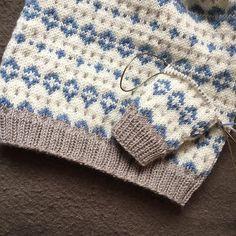 Barn, Blanket, Photo And Video, Knitting, Crochet, Videos, Photos, Inspiration, Instagram