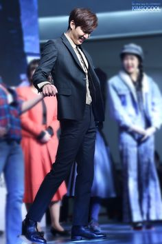 Lee Min Ho | Gangnam 1970 Red Carpet and showcase (150106)