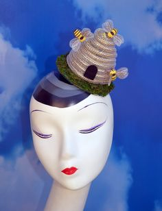 Ive been busy making this Busy Bee Beehive Fascinator for you! Oh, Bee-have! Every Queen Bee or Honey will love this headpiece. The one pictured has Fantasy Costumes, Dance Costumes, Bee Hat, Costume Hats, Costume Ideas, Fascinator Hats, Fascinators, Headpieces, Spring Cocktails