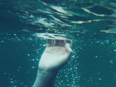 photography cute beautiful hipster indie Grunge water hand blue colors ocean humanity river soft grunge bublle
