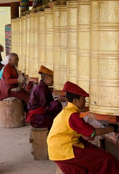 Prayer wheel meditation - Tibetan