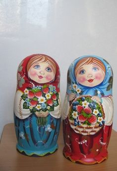 Hello, and welcome to my shop for my HAND MADE UNIQE ,RUSSIAN MATRYOSHKA DOLL Hand MADE BY PROFESSIONAL Russian Artist 5 PC matryoshka doll set