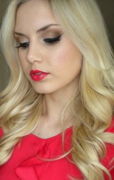 Neutral Eyes, Red Lips