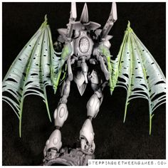 Eldar Wraithknight - Giant molten sword - Stepping Between Games White Highlights, Color Splash, Sword, Garden Sculpture, This Is Us, Army, Games, Painting, Inspiration