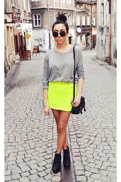 All Dolled Up: 10 Flattering Tricks for Pulling Off Neon Pants or Shorts