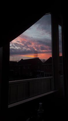 Aesthetic Tumblr Backgrounds, Aesthetic Pastel Wallpaper, Aesthetic Wallpapers, Dark Art Photography, Pretty Sky, Sunset Wallpaper, Window View, Sky Art, Sky Aesthetic