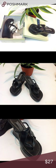 Bakers black sandals Sz 8 Bakers black sandals Sz 8, comfortable, pre owned shoe, in a reasonable pre owned condition, priced to sale quickly, kept in a box, feel free to ask for additional pic or have questions I can answer, offers are welcome Bakers Shoes Sandals