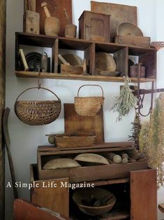 Primitive Living Room Making Most Use Of Furniture In Your House A sofa set for one provides a nice Primitive Living Room, Primitive Kitchen Decor, Prim Decor, Primitive Furniture, Shabby Chic Furniture, Rustic Furniture, Country Decor, Primitive Country, Primitive Crafts