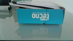 De zijkant van deze kartonnen doos vormt een vlak.