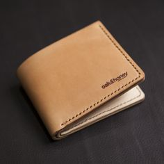 Picture of Vegetable Tanned Bifold Wallet