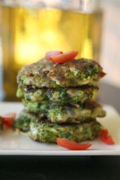 bocaditos de brócoli Salmon Burgers, Ethnic Recipes, Food, Hamburgers, Appetizers, Vegetables, Food Recipes, Finger Foods, Tasty