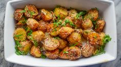 Parmesanpoteter -Så gode at du kan spise de som snacks! | Gladkokken Kung Pao Chicken, Parmesan, Tapas, Potatoes, Snacks, Ethnic Recipes, Appetizers, Potato, Treats