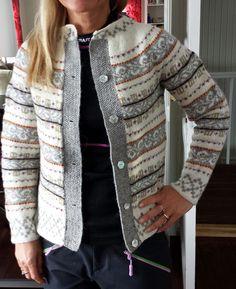 Haukelikofte Punto Fair Isle, Norwegian Style, Nordic Sweater, Fair Isle Pattern, Fair Isle Knitting, Knit Picks, Sweater Design, Crochet Projects, Knits