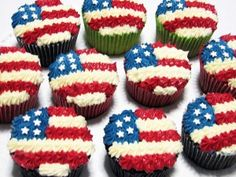 Flag Cupcakes for Memorial Day (May), Flag Day (June), Fourth of July (Independence Day/July) or Veterans Day (November)! Patriotic Cupcakes, Patriotic Desserts, Holiday Cupcakes, 4th Of July Desserts, Holiday Desserts, Holiday Treats, 4th July Cupcakes, Firecracker Cupcakes, Summer Cupcakes