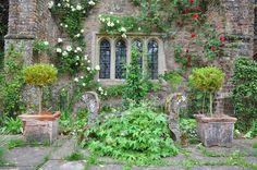 Cothay Manor - Flip - Picasa Web Albums Albums, Arch, Outdoor Structures, Hat, Garden, Picasa, Chip Hat, Longbow, Garten