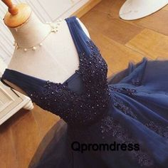 Cute v-neck deep blue organza short prom dress with beautiful lace applique, homecoming dress, vintage prom dress for teens #coniefox