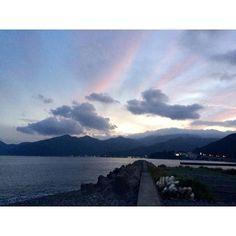 【haruka__japan】さんのInstagramをピンしています。 《土肥の街並みや風景がとても素敵で大好き #sunset#sky#blue#cloud#clouds#sea#mountain#mountains#nature#scenery#landscape#nofilter#view#love#cool#beautiful#photo#photography#japan#shizuoka#空#雲#海#自然#綺麗#静岡#伊豆#土肥#風景#写真》